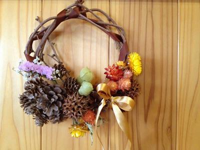 秋にぴったり!おしゃれで可愛い手作りリースアイデア♡